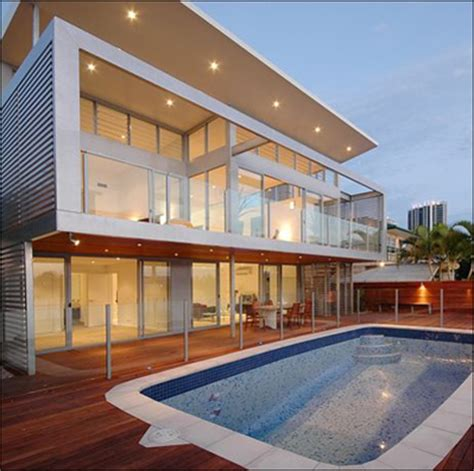 australia s glamorous gold coast real estate still has a