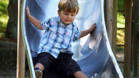 Kinder Haben Auto Zerkratzt by Auto Zerkratzt Scheibe Zerbrochen Wann Eltern F 252 R Kinder