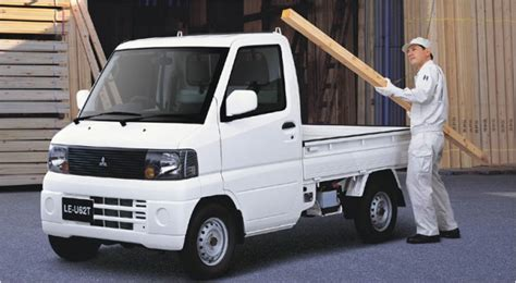 mitsubishi mini trucks mitsubishi to launch electric mini truck in 2012