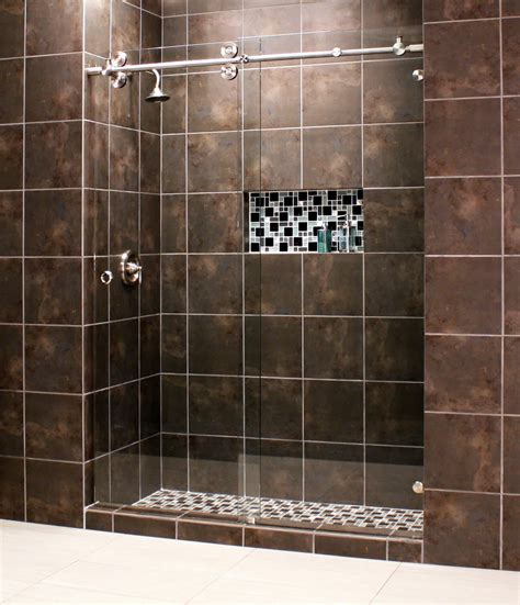 Shower enclosure skyline series pioneer glass