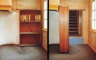 Anne Frank Bookcase Door Una Visita A La Casa De Anna Frank En Amsterdam