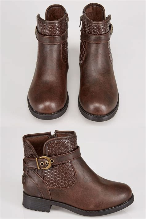 brown whipstitch ankle boot in eee fit size 4eee 5eee