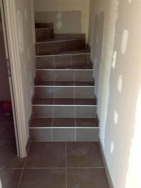 Carrelage Pour Escalier Extérieur 2425 by Carrelage Escalier Interieur Maison Design Nazpo