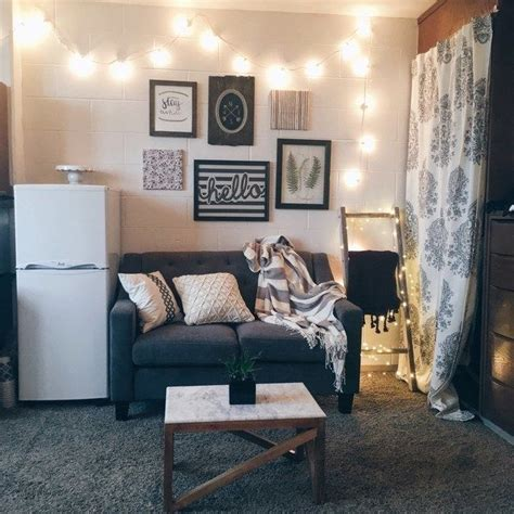 dorm room living 17 best ideas about dorm room on pinterest college dorms cool dorm rooms and dorm room beds