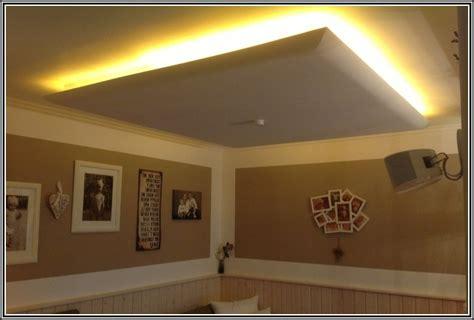 indirekte wohnzimmerbeleuchtung indirekte beleuchtung decke trockenbau beleuchthung