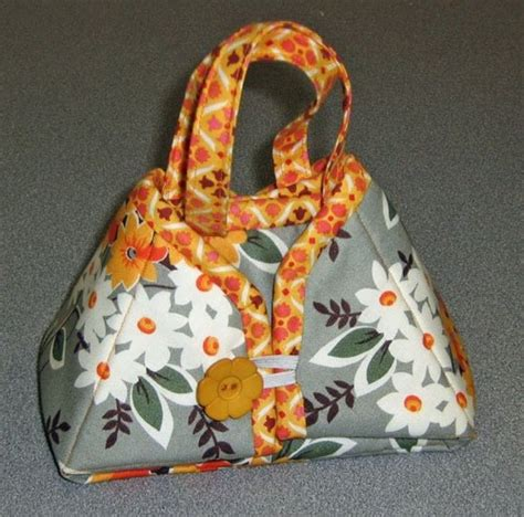 iron tote bag pattern travel iron tote pattern from sisters common thread