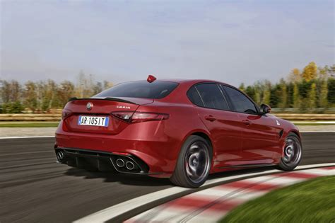 2016 alfa romeo giulia quadrifoglio review photos