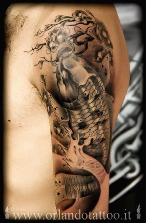 tatuaggio carpa koi e fiori di loto tatuaggi orientali tatuaggi in stile orientale
