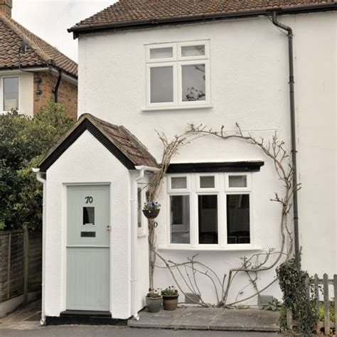 Cute Cottage With Painted Front Door Cute Vintage Cottage Doors Exterior