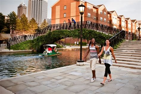 paddle boats on the canal in indianapolis downtown canal walk maybe eat picnic paddle boat a