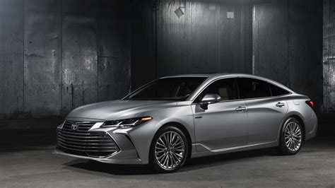 2019 toyota avalon dumps the frump adds new tech for