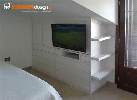 mobili mansarda armadi bassi per mansarde roma design casa creativa e