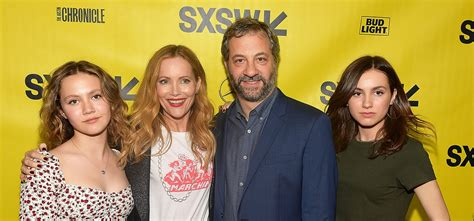 Blockers Premiere Leslie Mann Judd Apatow Are Joined By Daughters At Blockers Premiere Blogparser