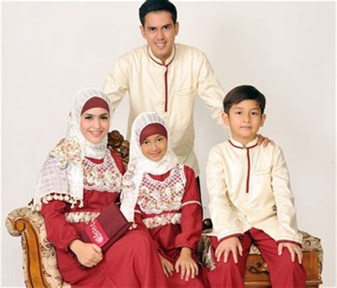 Baju Keluarga Santai 15 model baju keluarga muslim terbaru