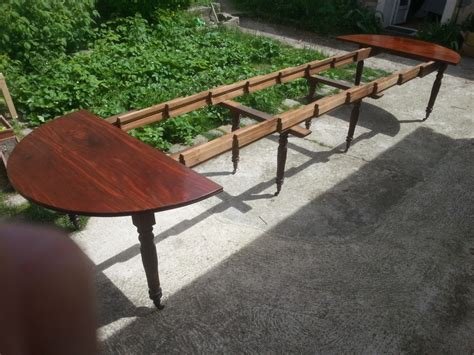 grande table ronde avec rallonge table de salle
