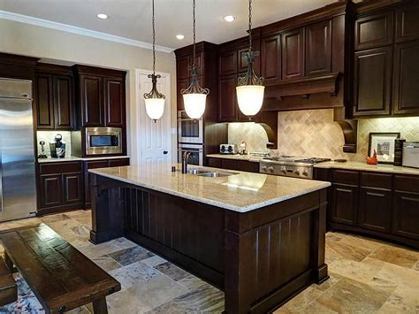 darker cabinets     stainless steel