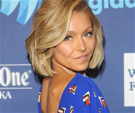 kelly ripa grey hair kelly ripa goes from blue to opal see her latest hair