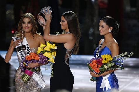 We A Miss Universe Contestant by Mistake Crowns Wrong Miss Universe Contestant Before Real