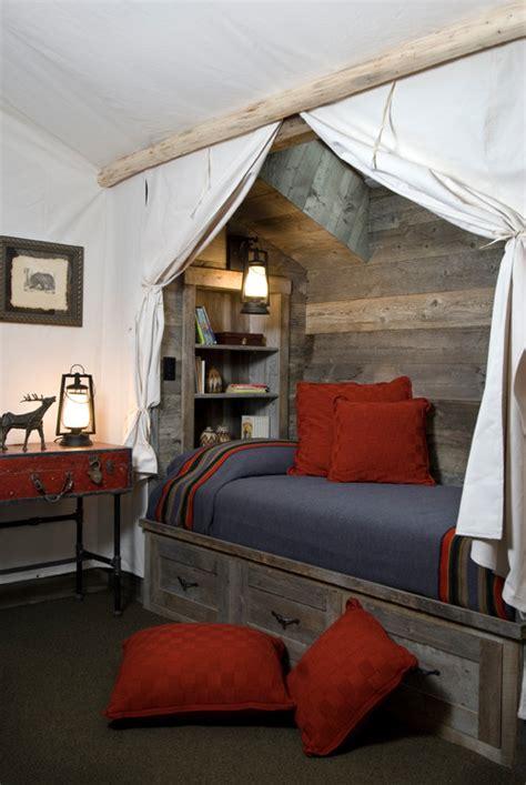 reclaimed wood bedroom rustic chic 12 reclaimed wood bedroom decor ideas