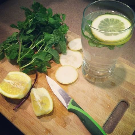 Detox Water With Mint Leaves by Detox Water Lemon And Mint Leaves My Clean Eats
