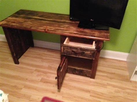 Handmade Computer Desk - diy wood computer desk woodworking projects
