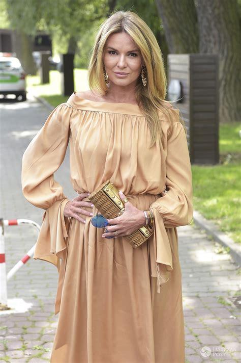 express nã rnberg lis na konferencji azja express w złotej sukience