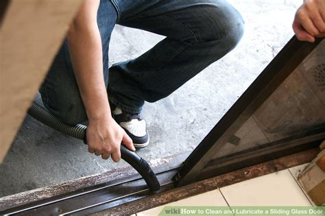 Lubricating Sliding Glass Doors How To Clean And Lubricate A Sliding Glass Door With Pictures