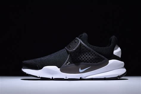 Nike Sock Dart Gs Slip On Blackwhite dependable nike sock dart black white 819686 005 slip on lifestyle s s footwear