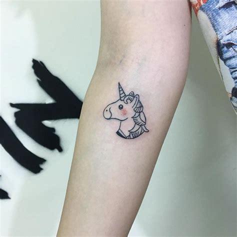 tattoo on finger does it hurt the 25 best do finger tattoos hurt ideas on pinterest