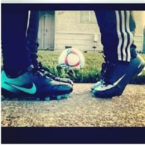 imagenes romanticas de parejas jugando futbol 1000 images about febrero el amor tambi 233 n es por el