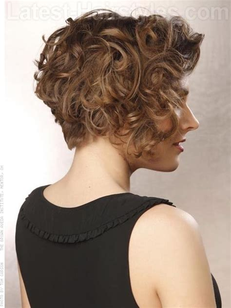 asymetrical ans stacked hairstyles 17 best ideas about curly stacked bobs on pinterest