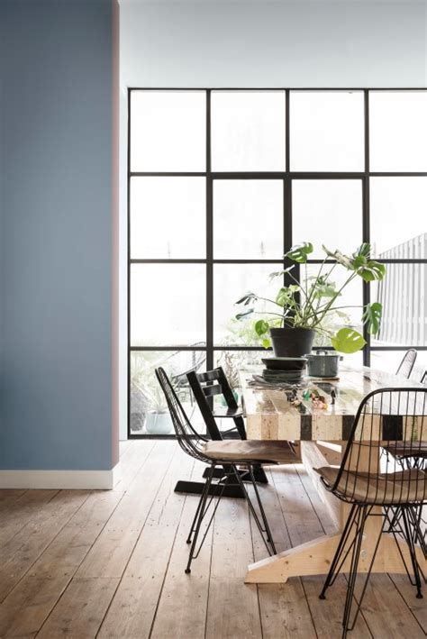 inviting home heart wood revealed as dulux s colour of the year 2018