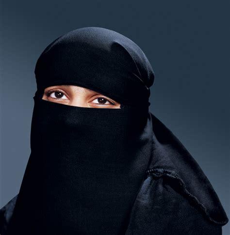 questura marghera permesso di soggiorno venezia donna sale sull autobus col burqa l autista ferma