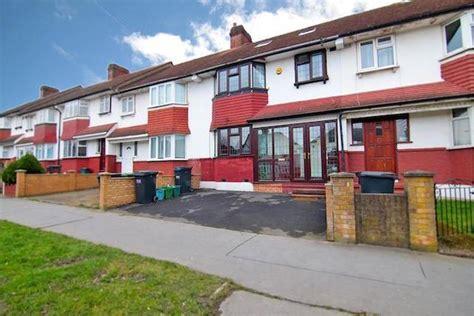 4 bedroom house for sale in london 4 bedroom terraced house for sale in stanford road london sw16