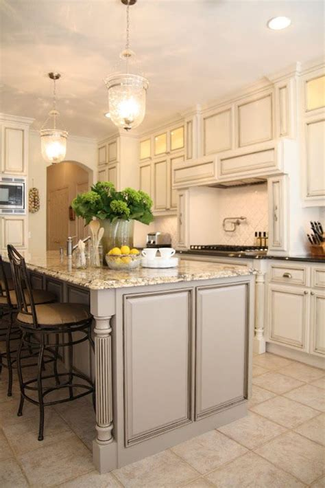 off white kitchen cabinet paint colors 1000 images about benjamin moore paint colors on