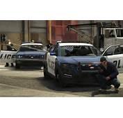 Auto V Hiding Behind A Police Car During Shootout Image Rockstar