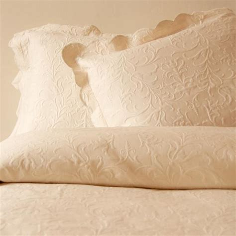 Scalloped Matelasse Coverlet timeless ecru scroll design w scalloped edge matelasse cotton coverlet king ebay