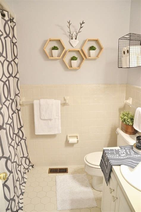 bathroom decor ideas diy best 25 bathroom wall decor ideas on pinterest
