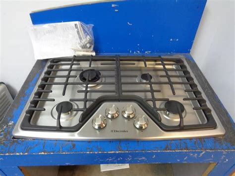 electrolux 30 gas cooktop electrolux ew30gc55ps 30 inch built in gas cooktop