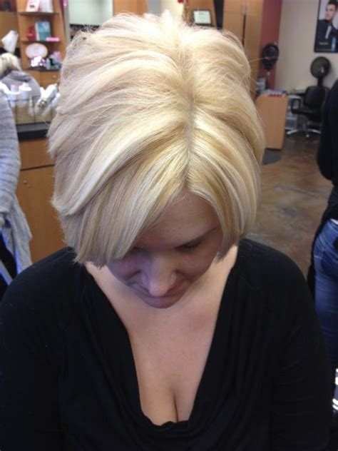 blond bob with low lights short bob platinum base with golden blonde lowlights and