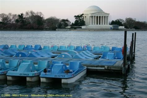 paddle boats jefferson memorial cherry blossoms 2006 photos at mikebecvar