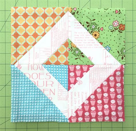Flower Quilt Block by Bee In Bonnet Flower Box Quilt Block Tutorial And