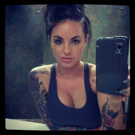 christy mack hairstyle sick of sloots getting that christy mack haircut