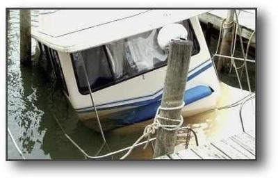 cheap house boats cheap project houseboats any deals on salvage repos