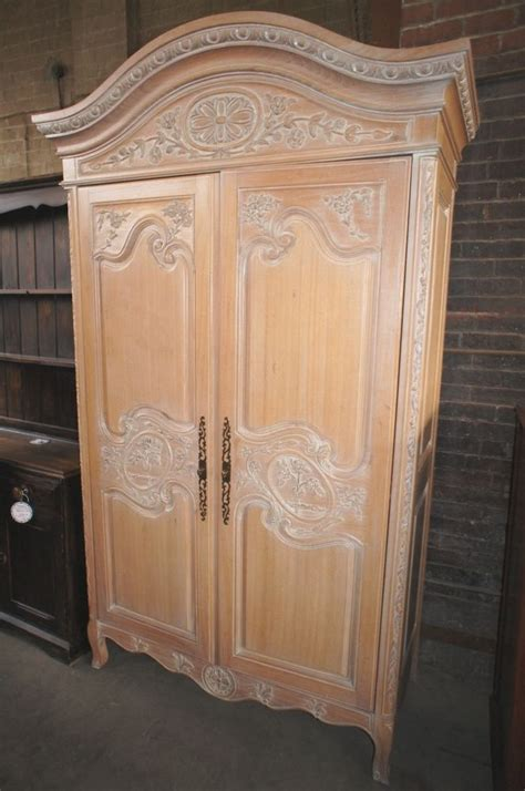 hekman armoire fancy hand carved detail tv entertainment cabinet armoire