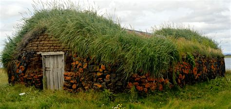 Grænavatn turf house at Mývatn in North Iceland   Guide to