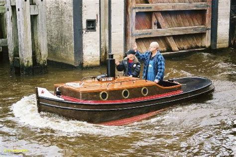 klein bootje te koop opduwer ald yzer scheepspraet