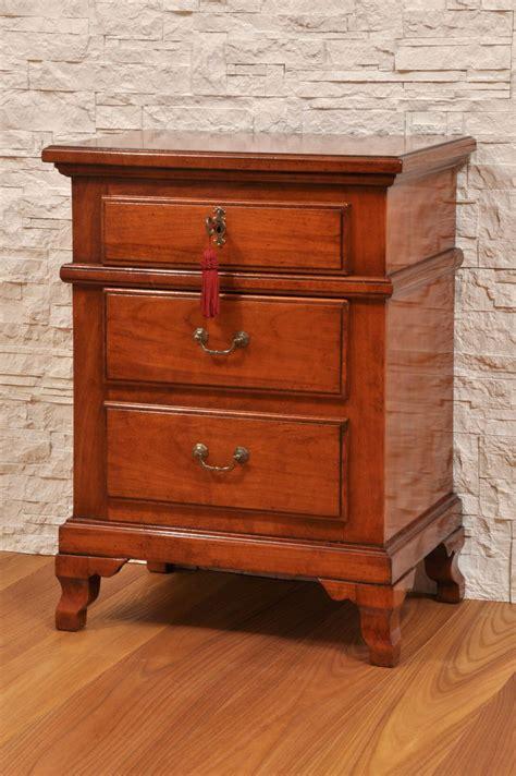comodini ciliegio comodini ciliegio 28 images comodino in legno pregiato