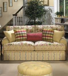 cottage style sofas cottage sofa smalltowndjs