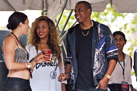 beyonce and jay z insult kim kardashian and kanye west beyonce and kim kardashian ignore each other at jay z s